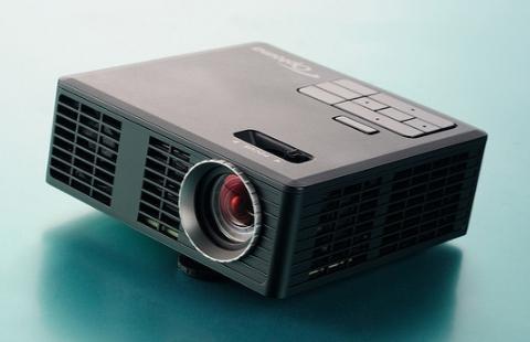 Проектор Optoma ML750e - достойный подарок на новый год!