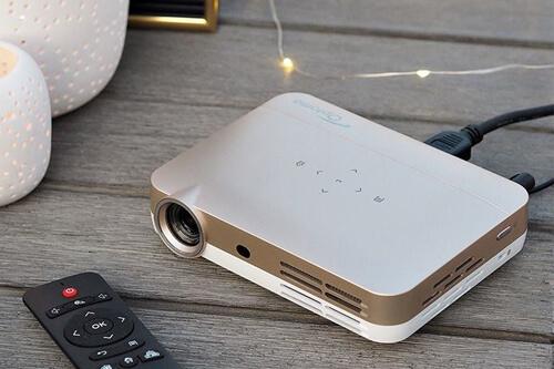 Компактный проектор для домашнего кинотеатра Optoma ML330