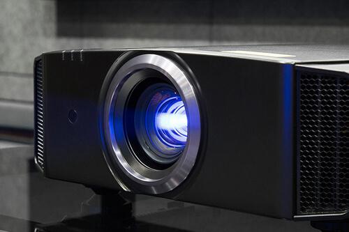 Сегмент проекторов 4К стал точкой роста объема рынка в 2018-м году