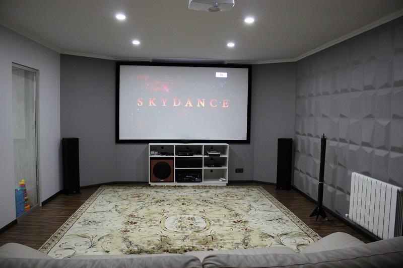 Домашний кинозал к Большому футболу (Optoma HD28DSE + Polk T-series)