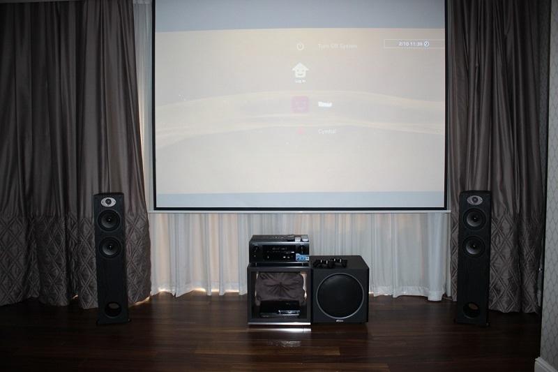 Два в одном: кинотеатр и игровая комната (Polk Audio TSx + Optoma HD26)