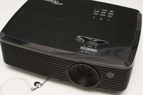 Простой и удобный проектор для дома Optoma HD142X - обзор характеристик