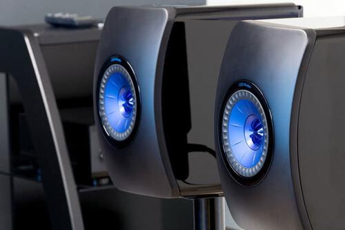 Техническое тестирование стереопары полочной юбилейной акустики KEF LS50