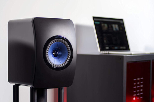 Акустические системы KEF LS50 – компактная акустическая система со звучанием профессионального студийного монитора