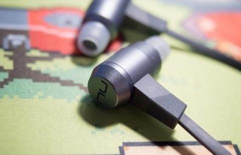 Беспроводные наушники-вкладыши NU FORCE BE6 с поддержкой Bluetooth