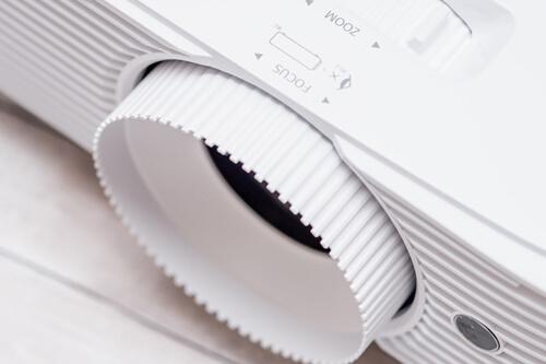 Преимущества отличного проектора Optoma HD27e для домашнего кинотеатра