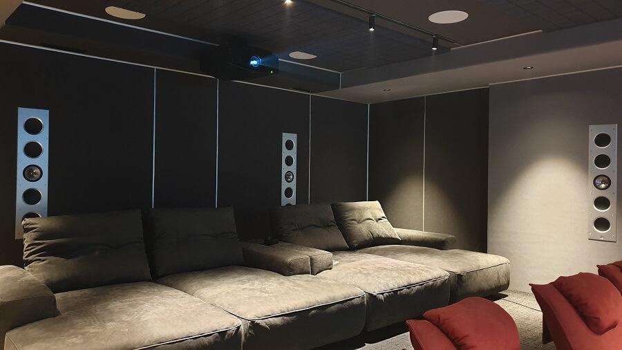 KEF Reference и Dolby Atmos в частном кинозале в Алматы